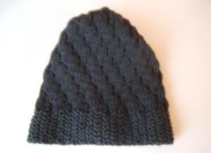 """cappello grigio """"Punto torciglioni"""" in diagonale"""